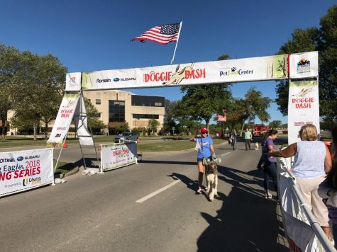 Doggie Dash promotes charity, scholarship