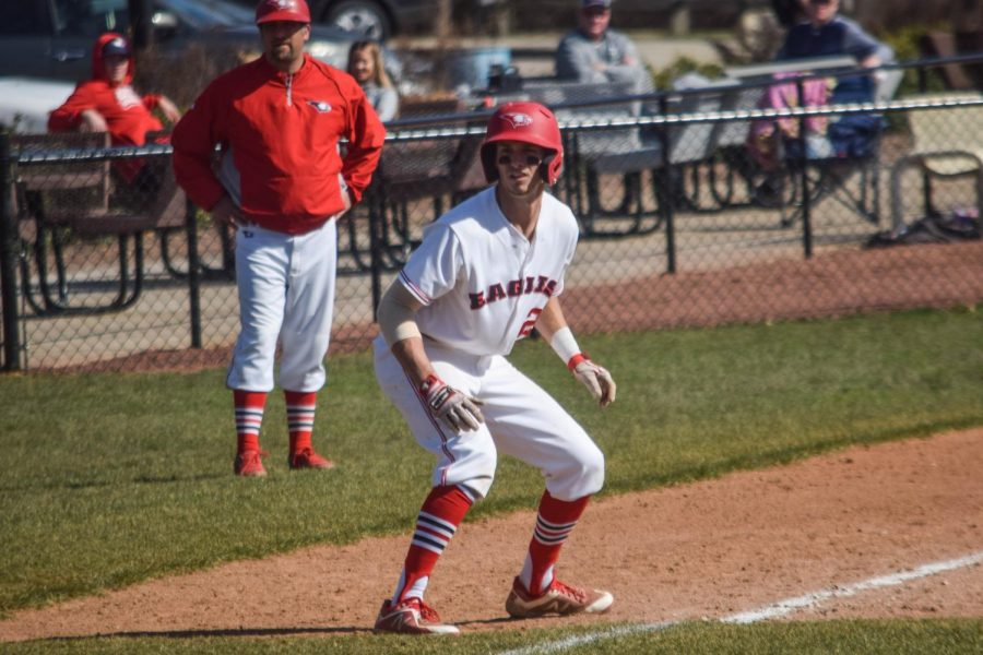 Screaming Eagles baseball: the team that plays together, wins together