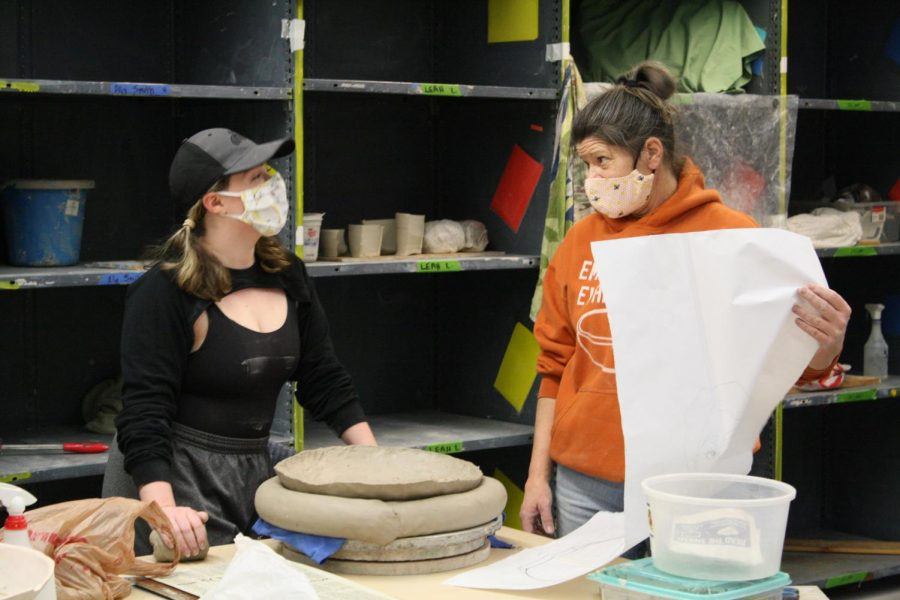 Students make history in hybrid ceramics class