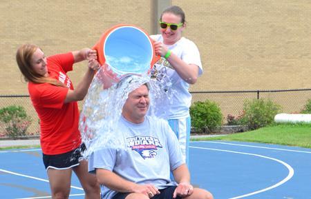 USI coaches join ALS bandwagon