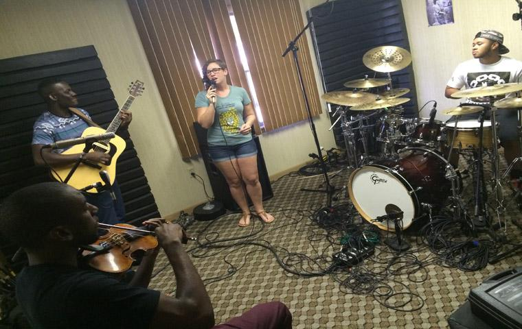 Valley Vibrations: Multi-genre inspired group creates 'acoustic fusion'