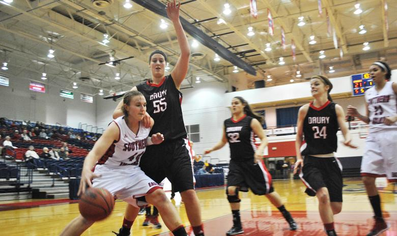 Women's basketball moving on in GLVC Tournament