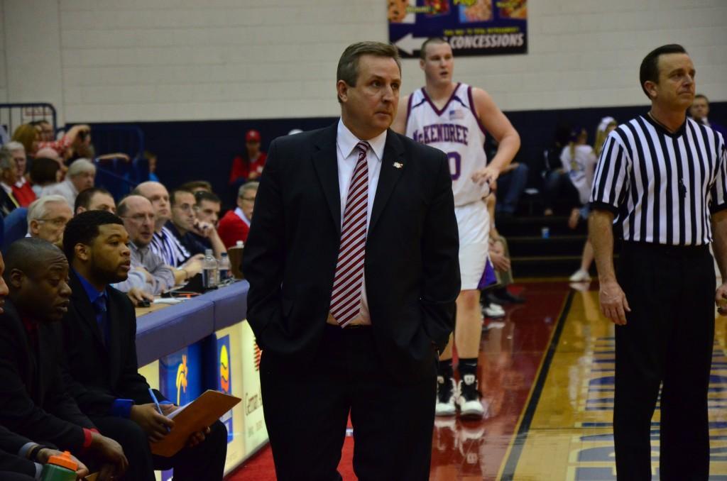 Eagles finalize men's basketball schedule